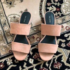 New Via Spiga Salmon Color Sandals